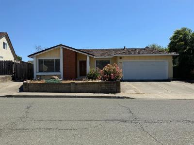 Vallejo Single Family Home For Sale: 467 Brunswick Drive
