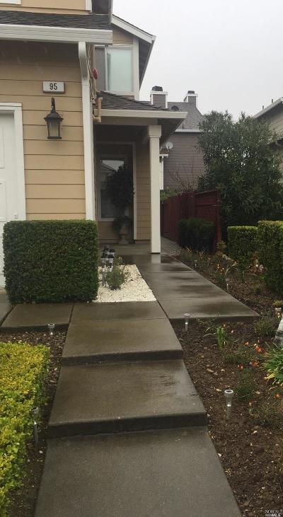 Vallejo Single Family Home For Sale: 95 Del Sur Street