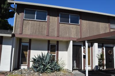 Fairfield Condo/Townhouse For Sale: 133 Del Paso Court