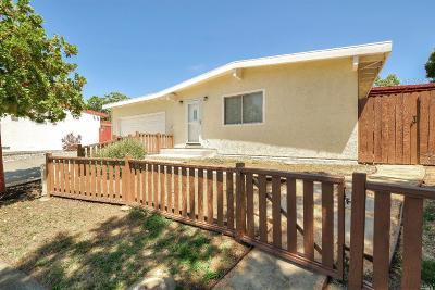 Vallejo Single Family Home For Sale: 214 Sandalwood Court