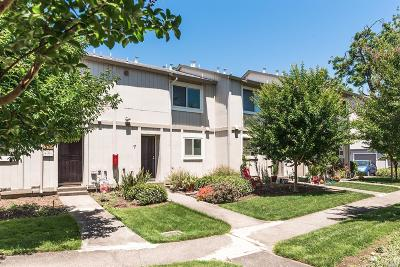 Healdsburg Condo/Townhouse For Sale: 27 Front Street #C