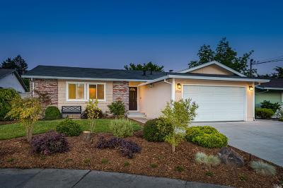 Petaluma Single Family Home For Sale: 1720 Clairmont Court
