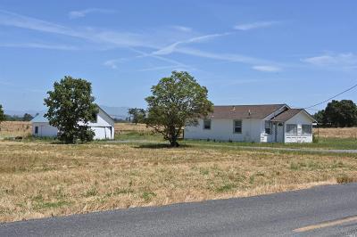 Santa Rosa Single Family Home For Sale: 5675 Hall Road