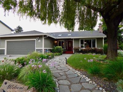 Petaluma Single Family Home For Sale: 1900 Saint Augustine Way