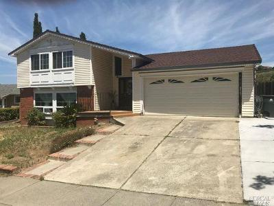 Vallejo Single Family Home For Sale: 52 Dover Court
