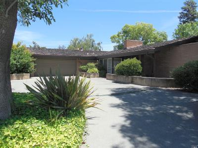 Rio Vista Single Family Home For Sale: 175 Edgewater Drive
