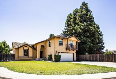Vacaville Single Family Home For Sale: 907 Stonewood Court