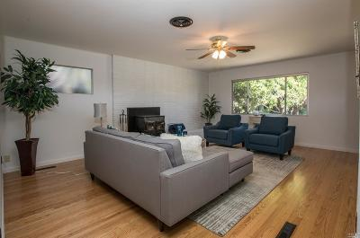 Healdsburg Single Family Home For Sale: 737 Prince Avenue