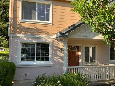 Vallejo Condo/Townhouse For Sale: 815 Daniels Avenue