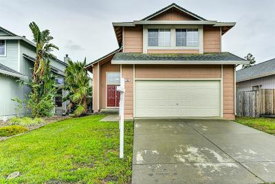 Vacaville Single Family Home For Sale: 366 Samantha Place