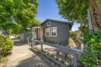 Petaluma Single Family Home For Sale: 11 Hayes Avenue