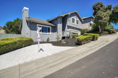 Vallejo Single Family Home For Sale: 166 Turnberry Way