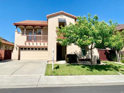 Vacaville Single Family Home For Sale: 948 Lancaster Street