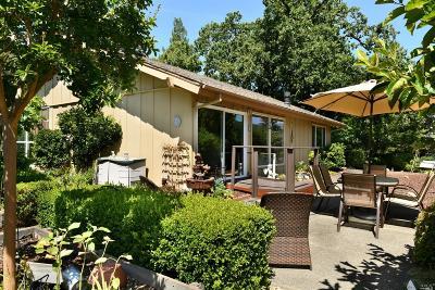 Santa Rosa Single Family Home For Sale: 432 Hillsdale Drive