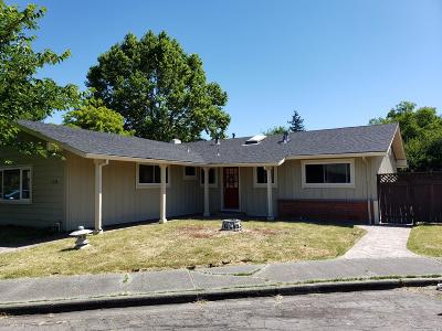 Santa Rosa Single Family Home For Sale: 1224 Caribou Court