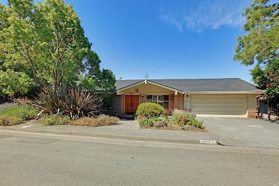 Santa Rosa Single Family Home For Sale: 3545 Ridgeview Drive