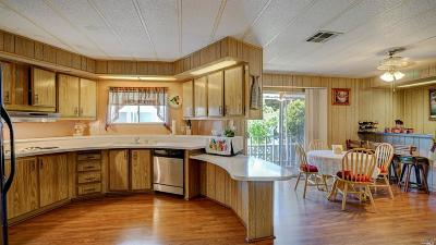 Marin County Mobile Home For Sale: 158 Shenandoah Place #158