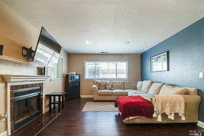 Vallejo Condo/Townhouse For Sale: 115 Seal Rock Court #35