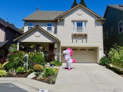 Hercules Single Family Home For Sale: 121 Camden Lane