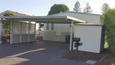 Rohnert Park Mobile Home For Sale: 181 Walnut Circle #109