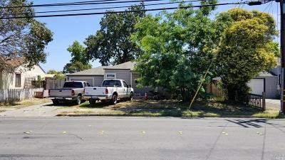 Santa Rosa Single Family Home For Sale: 1142 Corby Avenue