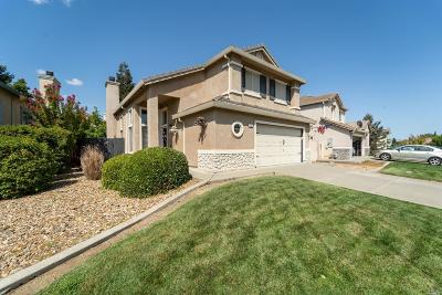 Vacaville Single Family Home For Sale: 952 Celestine Circle