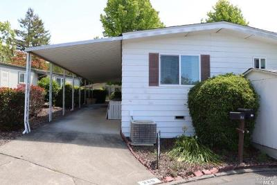Rohnert Park Mobile Home For Sale: 260 Circulo Tierra #190