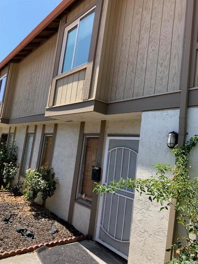 Fairfield Condo/Townhouse For Sale: 222 Del Luz Court