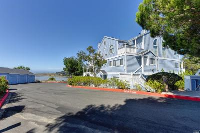 Vallejo Condo/Townhouse For Sale: 190 Sea Crest Circle