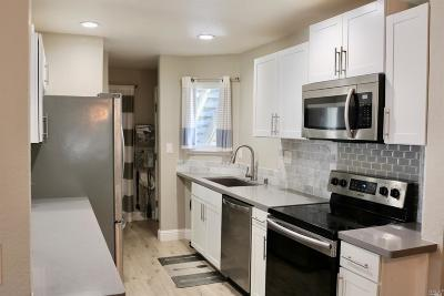 Santa Rosa Condo/Townhouse For Sale: 2629 Westberry Drive