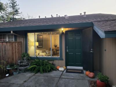 Cotati Condo/Townhouse For Sale: 273 Lincoln Avenue