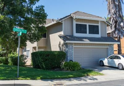 Vacaville Single Family Home For Sale: 110 Colony Way