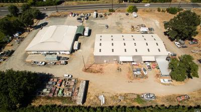 Clearlake Commercial For Sale: 325 W State Highway 20