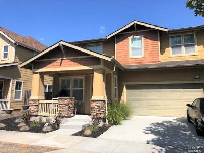 Petaluma Single Family Home For Sale: 1726 Southgate Drive