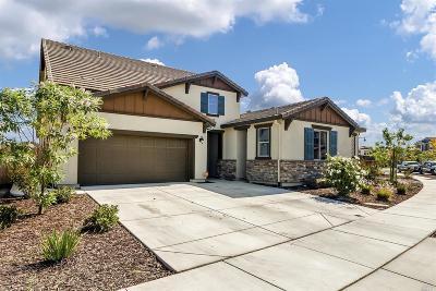 Single Family Home For Sale: 1811 Klamath Court