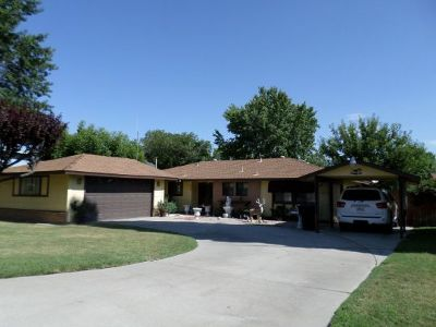 Big Pine Single Family Home For Sale: 220 Terrace Dr