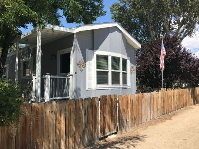 Bishop Mobile Home For Sale: 551 Sunland Dr #8