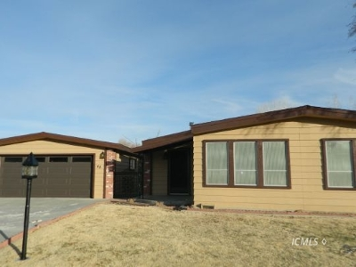 Single Family Home Sold: 48 Carmelea Ln