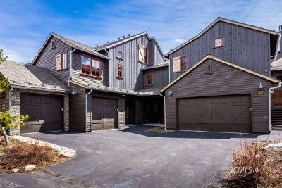 Mammoth Lakes Condo/Townhouse For Sale: 1117 Pyramid Peak Dr