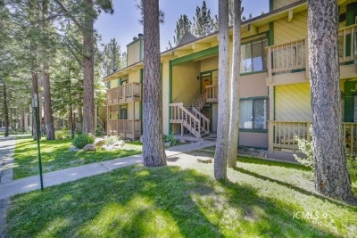 Mammoth Lakes Condo/Townhouse For Sale: 2251 Meridian Blvd. #107