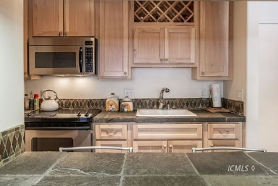 Mammoth Lakes Condo/Townhouse For Sale: 305 Azimuth Dr. #M8