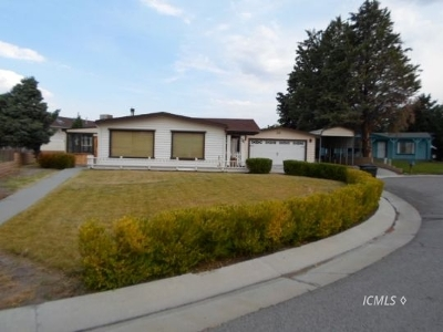 Big Pine Single Family Home Pending: 21 Michelle Cir