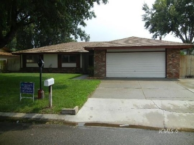 Big Pine Single Family Home Pending Contingency: 211 Terrace Dr