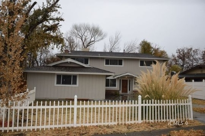 Big Pine Single Family Home For Sale: 123 Terrace Dr