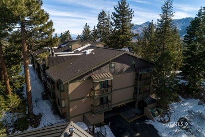 Mammoth Lakes Condo/Townhouse For Sale: 261 Lakeview Blvd #55