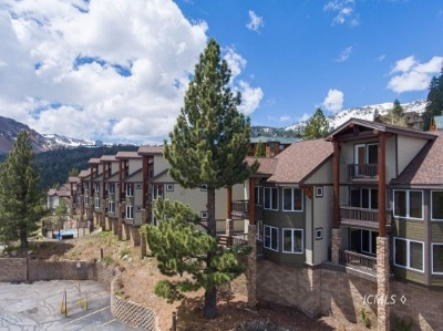 Mammoth Lakes Condo/Townhouse For Sale: 300 Juniper Springs Dr #110