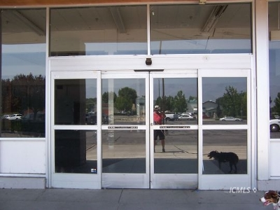 Bishop CA Commercial For Sale: $0