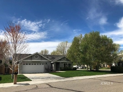 Bishop Single Family Home For Sale: 2454 Cheyenne Dr
