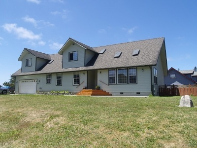 Crescent City Single Family Home For Sale: 285 Lakeside Loop