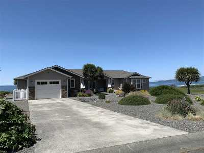 Smith River Single Family Home Active-Extended: 185 Shoreline Drive